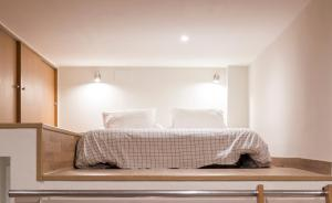 Studio (4 Adults) - Calle Comte Borrell, 84