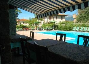 Hotel Sonenga, Отели  Менаджо - big - 73
