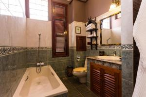 HanumanAlaya Colonial House, Hotels  Siem Reap - big - 14