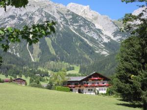 Haus Heidi, Ferienwohnungen  Ramsau am Dachstein - big - 56