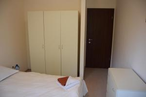 Borovets Holiday Apartments - Different Locations in Borovets, Apartments  Borovets - big - 65