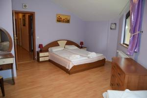 Borovets Holiday Apartments - Different Locations in Borovets, Apartments  Borovets - big - 12