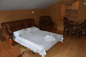 Borovets Holiday Apartments - Different Locations in Borovets, Apartments  Borovets - big - 130
