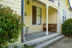 The Old Manse, Bed & Breakfast  Martinborough  - big - 21