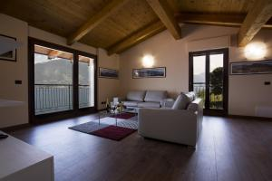 Casa Attico Al Porto, Ferienwohnungen  Pianello Del Lario - big - 20