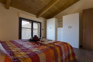 Casa Attico Al Porto, Ferienwohnungen  Pianello Del Lario - big - 14