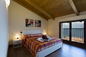 Casa Attico Al Porto, Ferienwohnungen  Pianello Del Lario - big - 10