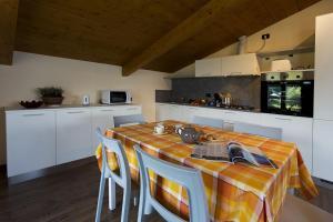 Casa Attico Al Porto, Ferienwohnungen  Pianello Del Lario - big - 25