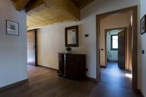 Casa Attico Al Porto, Ferienwohnungen  Pianello Del Lario - big - 23