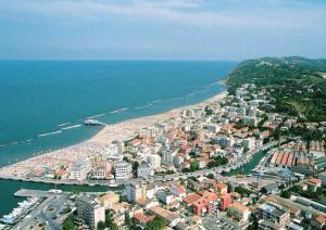 Residence Viamaggio ApartHotel, Appartamenti  Gabicce Mare - big - 1