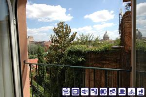 Apartment Sant'Onofrio, Apartments  Rome - big - 3