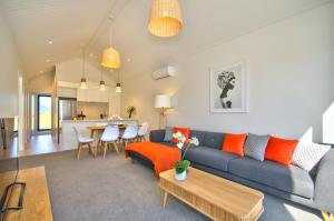 Cherry Blossom Holiday Apartment, Apartmanok  Queenstown - big - 1