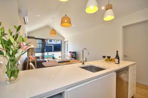 Cherry Blossom Holiday Apartment, Apartmanok  Queenstown - big - 10