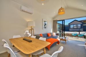 Cherry Blossom Holiday Apartment, Apartmanok  Queenstown - big - 11