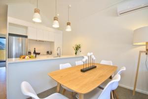 Cherry Blossom Holiday Apartment, Apartmanok  Queenstown - big - 18