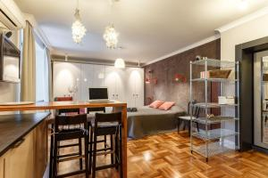Daily Rooms Apartment at Balchug Island, Ferienwohnungen  Moskau - big - 7
