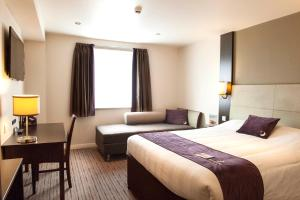 Premier Inn Guildford North - A3, Hotel  Guildford - big - 7