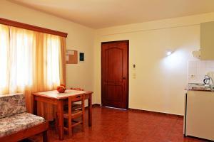 Iolkos Hotel Apartments, Apartmanhotelek  Káto Daráco - big - 8