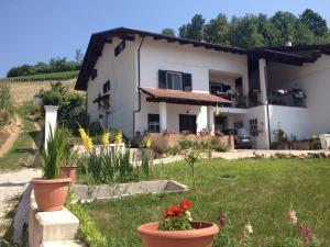 Alba Raimondo House, Апартаменты  Santa Vittoria d'Alba - big - 3