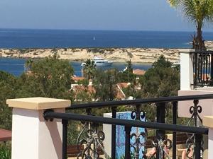 Villa Poseidon, Vily  Coral Bay - big - 30