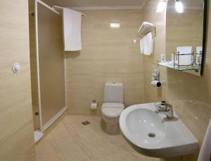 Отель Роял Стрит, Отели  Одесса - big - 9