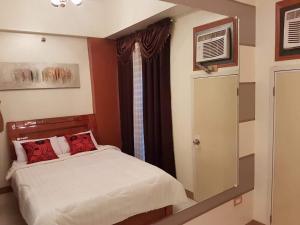 Chateau Elysee Condo Unit - Vendome, Apartmanok  Manila - big - 38