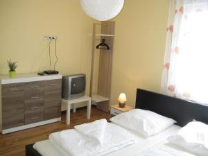Two-Bedroom Holiday home in Dranske I, Holiday homes  Lancken - big - 9