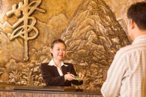 Green Lotus Hotel River View Yangshuo, Отели  Яншо - big - 32