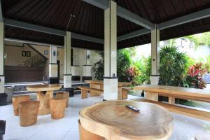 RedDoorz near Taman Ayun Mengwi, Guest houses  Mengwi - big - 12