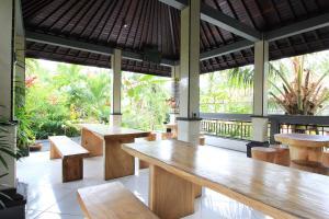 RedDoorz near Taman Ayun Mengwi, Guest houses  Mengwi - big - 13