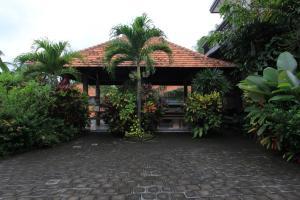 RedDoorz near Taman Ayun Mengwi, Гостевые дома  Mengwi - big - 19