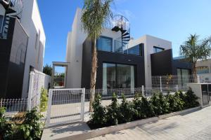 Villa Tindra, Vily  Torrevieja - big - 1