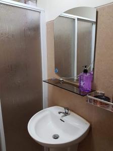 Chateau Elysee Condo Unit - Vendome, Apartmanok  Manila - big - 48