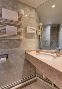 Standard Single Room with Shower