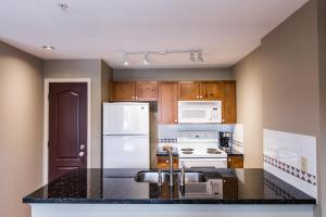 Town Plaza - One-Bedroom Apartment - 4314 Main Street - Unit 342