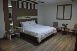Hotel Tate, Hotely  Suwon - big - 3