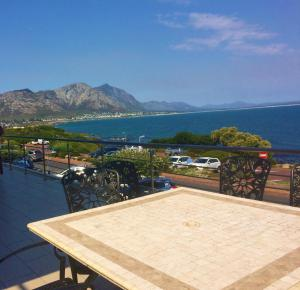 Hamewith Unit 4, Apartmanok  Hermanus - big - 3