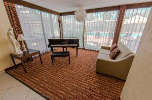 Ramada by Wyndham Houston Intercontinental Airport East, Hotel  Humble - big - 26