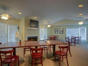Beach Club 421 Apartment, Apartmány  Saint Simons Island - big - 17
