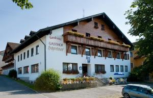 Landhotel-Gasthof-Schreiner, Vendégházak  Hohenau - big - 1