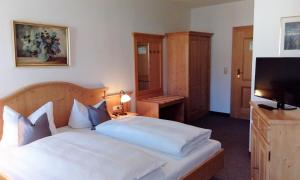 Hotel Pension Lindenhof, Affittacamere  Prien am Chiemsee - big - 19
