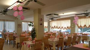 Hotel Canasta, Hotels  Riccione - big - 36