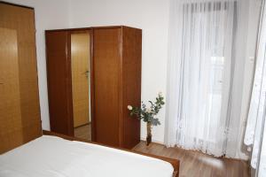 Apartmani Jarnečić, Appartamenti  Starigrad-Paklenica - big - 12