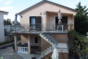 Apartmani Jarnečić, Appartamenti  Starigrad-Paklenica - big - 1