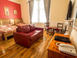 Corstorphine Lodge Hotel