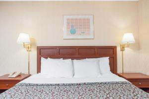 Days Inn by Wyndham Liberty, Hotel  Ferndale - big - 3