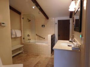 Forest Lodge, Chaty  Carmel - big - 25