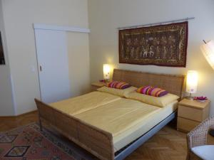 Stadtnest B&B Wien, Bed and breakfasts  Vienna - big - 1