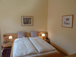 Stadtnest B&B Wien, Bed and breakfasts  Vienna - big - 33