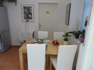 Stadtnest B&B Wien, Bed and breakfasts  Vienna - big - 34